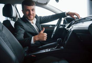 carro com espaço interno